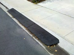 How to pour concrete driveway curb ramp for How to pour a concrete driveway