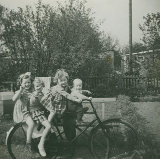 4 KIDS ON A BIKE