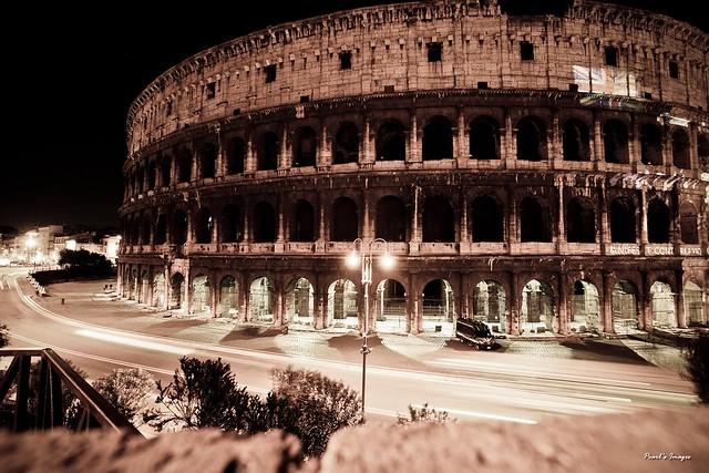 夜之羅馬競技場