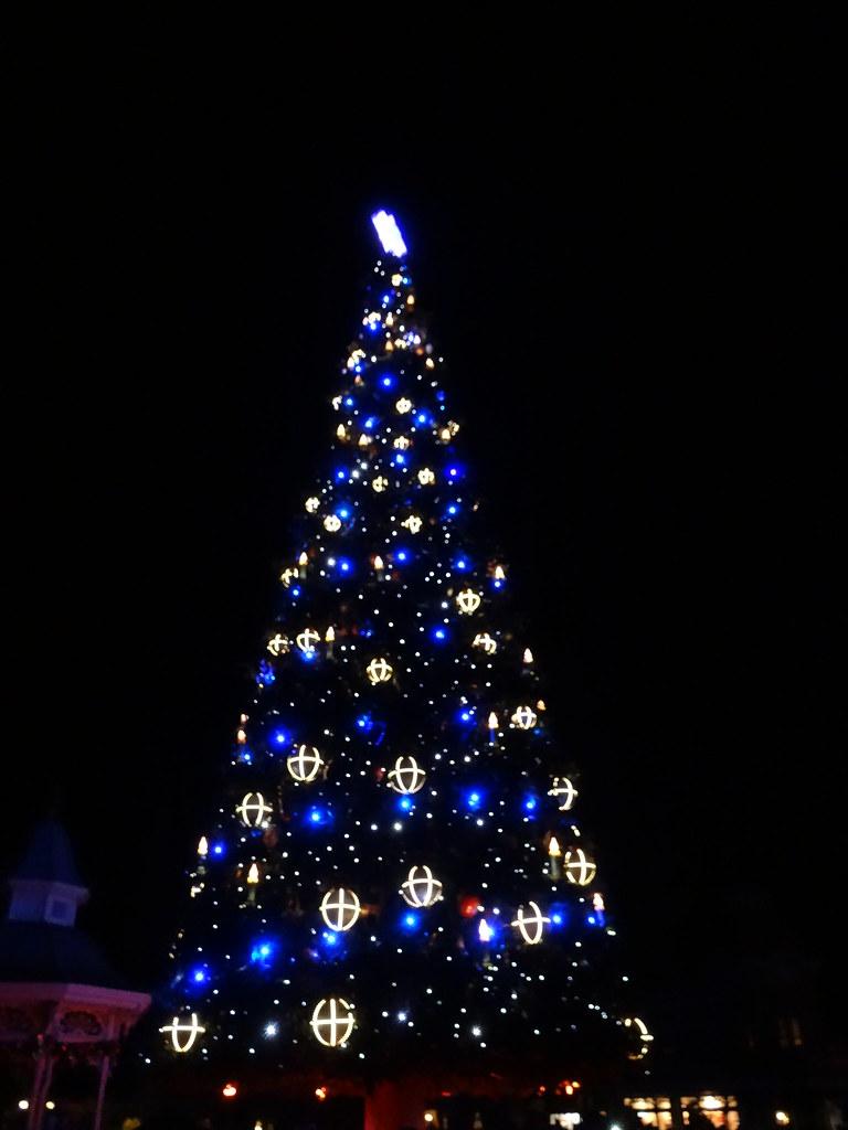 Un séjour pour la Noël à Disneyland et au Royaume d'Arendelle.... - Page 4 13700040895_3794f11eb4_b