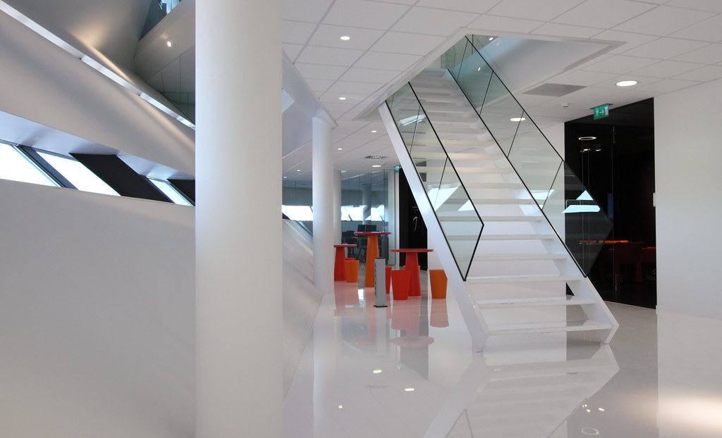 Decos headquarters by Inbo