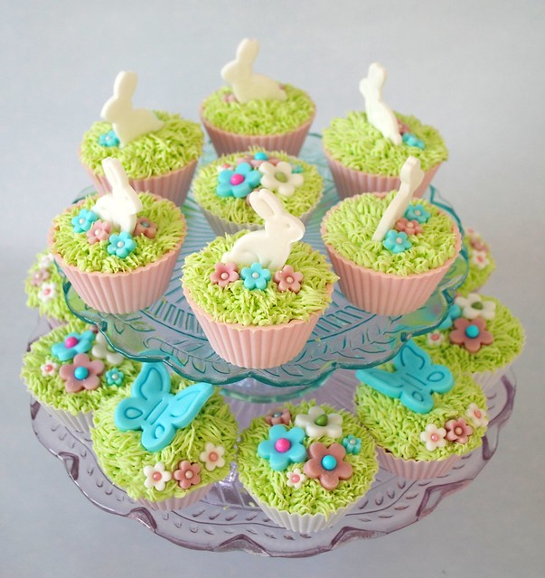 Easter cupcake stands