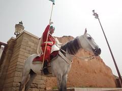 Guarda Real no Mausoléu Mohamed V em Rabat