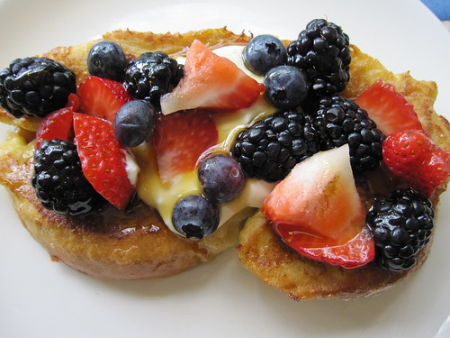 http://www.girlsgonechild.net/2011/04/eat-well-what-to-bring-to-easter-brunch.html