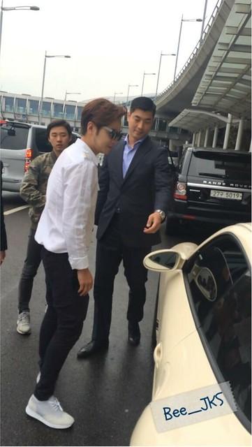 [Pics-2] JKS returned from Beijing to Seoul_20140427 14055152583_01dffd6e14_z