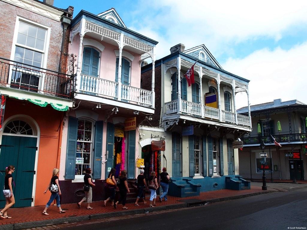 Hotels Near The Riverwalk In New Orleans Louisiana
