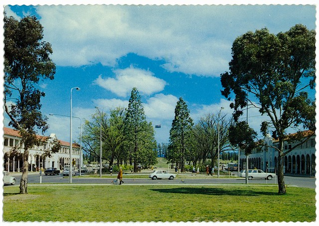 Northbourne Avenue looking toward Lake Burley Griffin