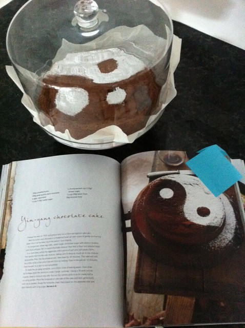Ying-Yang Chocolate Cake Final
