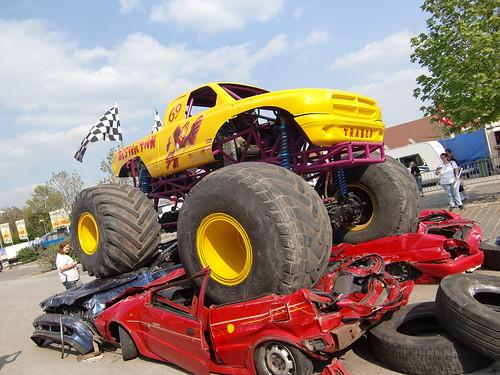 Monstertruck und Stuntshow