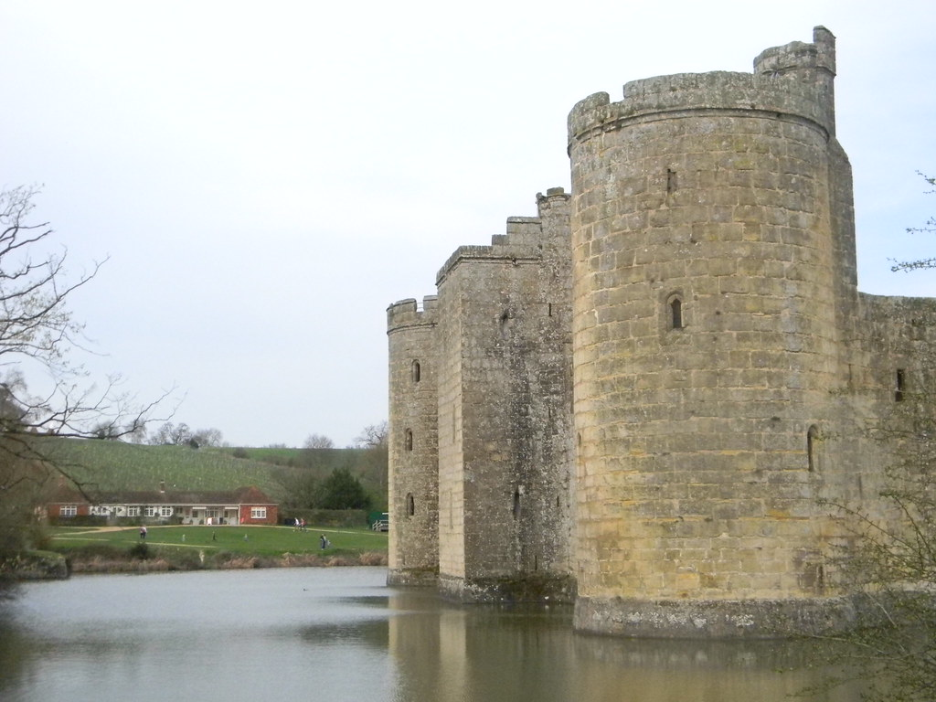 Bodiam Castle Robertsbridge circular (short)