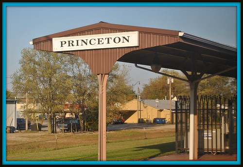 railroad travel station train amtrak princeton trave californiazephyr illinlois