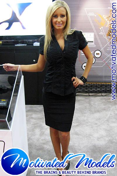 Blonde Trade Show Models