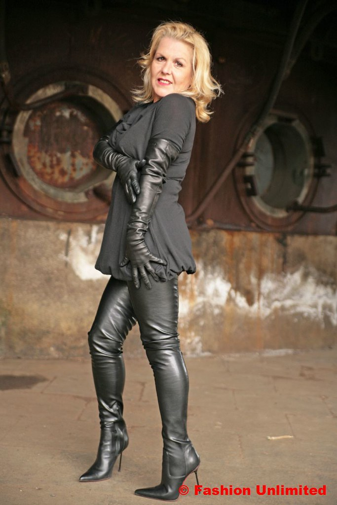 Mature ladies in leather gloves what excellent