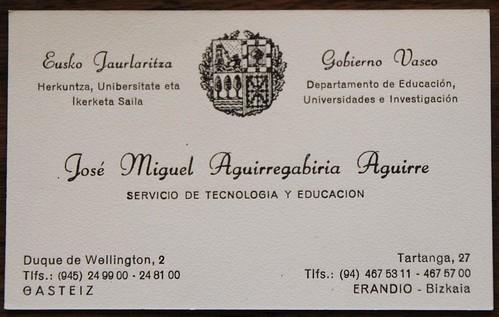 Tecnología y Educación. Una vieja tarjeta, de 1985, cuando se creó el Servicio de Tecnología y Educación en el Departamento de Educación, Universidades e Investigación. Todavía aparecían las cadenas de Navarra en el escudo del Gobierno Vasco. Todavía usáb