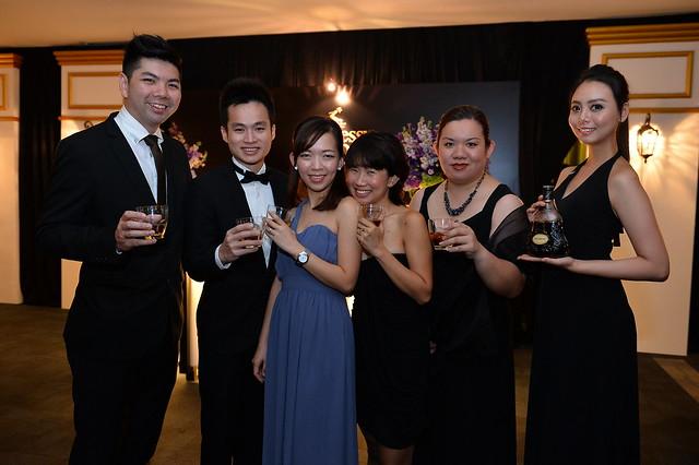L-R Bok Chou Loong, Lim Dao Feng, Chin Wei Zhi, Evelyn Ang, Jennifer Khoo, Brand Ambasador