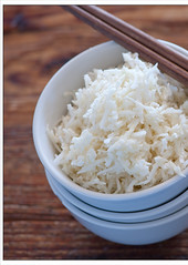 steamed rice(0.0), coconut(0.0), rice(0.0), produce(0.0), food grain(1.0), jasmine rice(1.0), food(1.0), white rice(1.0), dish(1.0), cuisine(1.0), glutinous rice(1.0),