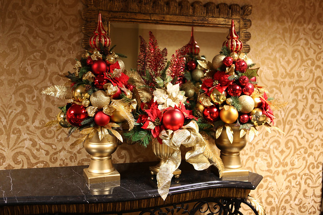 red and gold christmas centerpieces flickr photo sharing. Black Bedroom Furniture Sets. Home Design Ideas