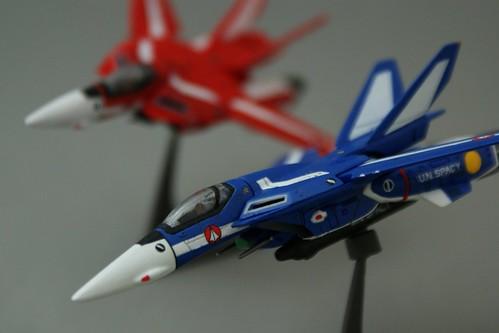 F-toys 1/144 - VF-1J Valkyrie  - Maximilian + Milia Jenius - 2