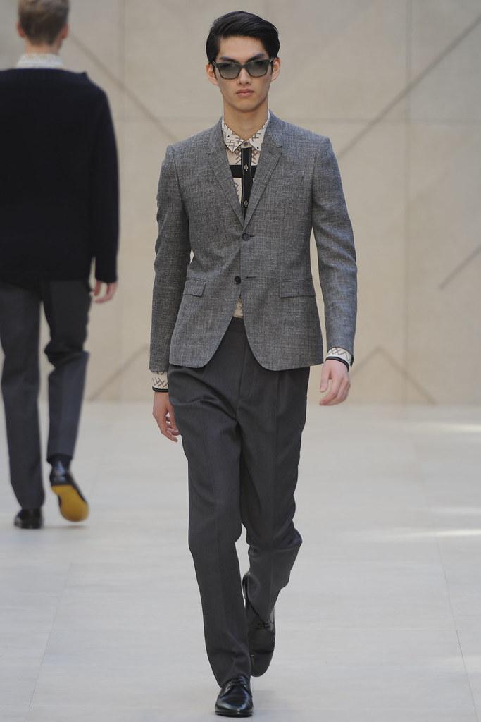 SS13 Milan Burberry Prorsum013_Ryohei Yamada(VOGUE)