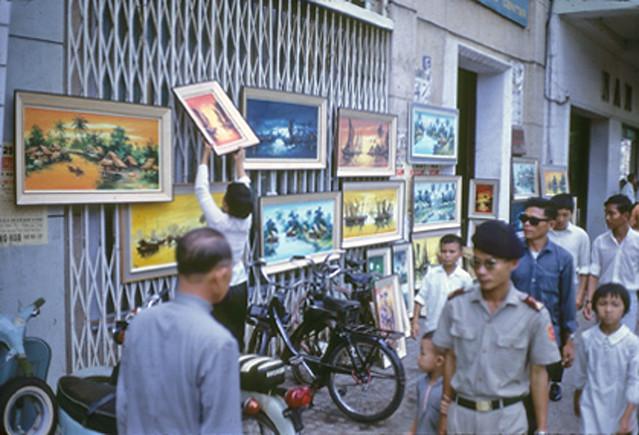 SAIGON 1968-69 - cạnh Phòng Thông Tin, CLB Báo Chí