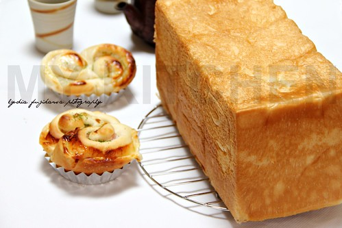 Soft Loaf and Bacan-Cheese Buns