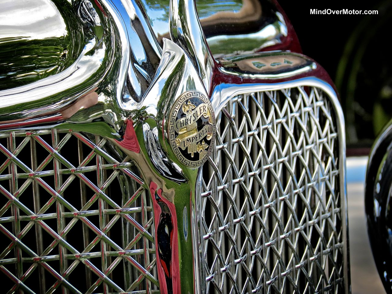 1933 Chrysler Imperial Grill
