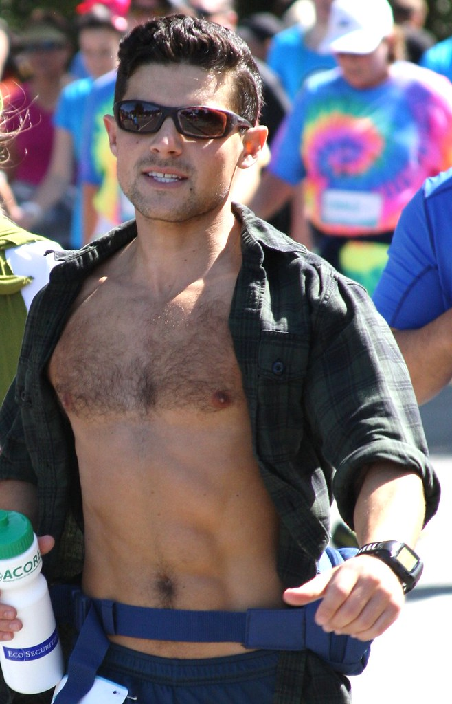 SEXY HUNK at the Bay to Breakers Race (safe photo)