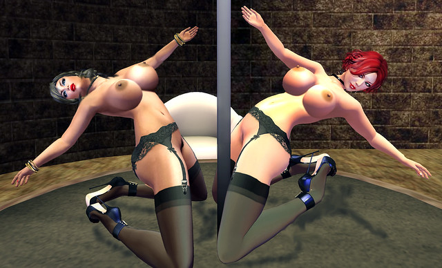 Erotique dancers