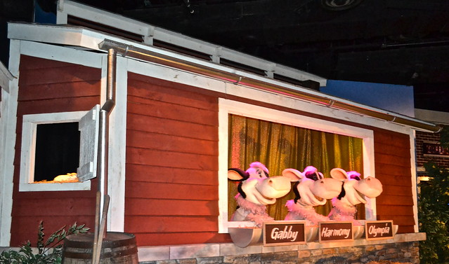 Welcome cows - Chocolate World Hershey PA USA