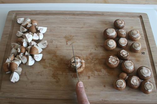 29 - Champignons vierteln / Quarter champignons