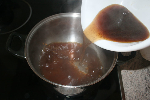 35 - Sauce zurück in Topf geben / Put sauce back in pot