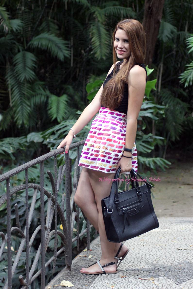 falda-rosa-Oasap-y-top-negro-HEELSANDROSES-(3)