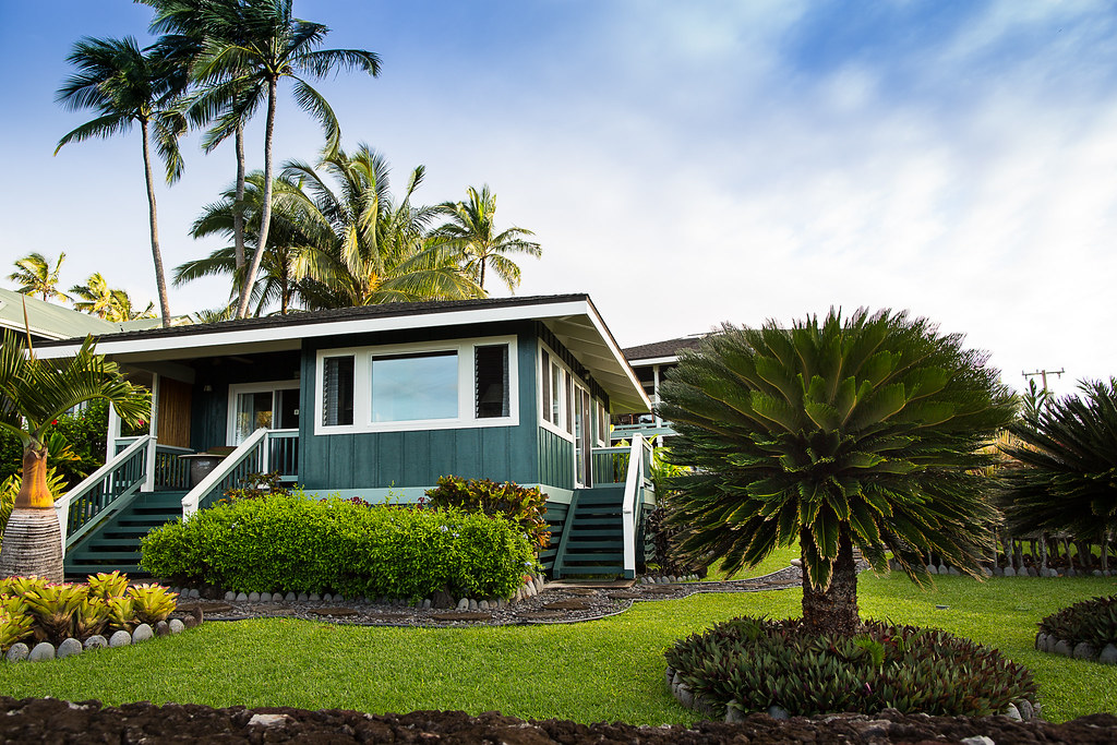 Hana Oceanfront Cottage - Hana By The Sea