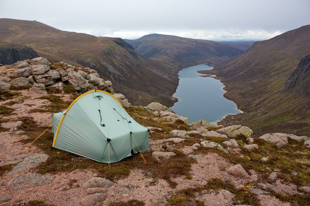 Wild camp above Loch Avon