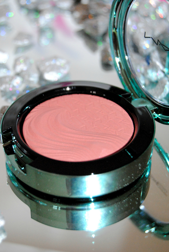 MAC Blush Alluring Aquatic (6)