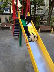 保育園のお友達(女の子)と遊ぶ 2014/5