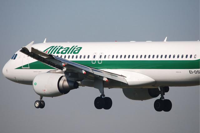 Alitalia A320-216 EI-DSD