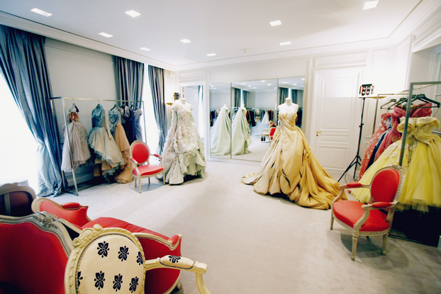 fashion runway the dior haute couture salon avenue montaigne paris cool chic style fashion. Black Bedroom Furniture Sets. Home Design Ideas