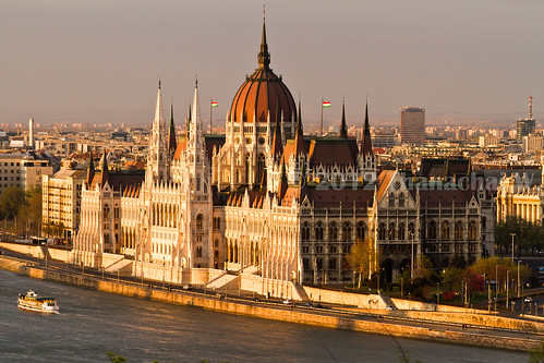 architecture river europe hungary budapest style parliament parlement magyar danube fleuve magyarország gothicrevival hongrie รัฐสภา gothicrevivalstyle néogothique แม่น้ำ stylearchitectural อาคาร บูดาเปสต์ ฮังการี สถาปัตยกรรม ยุโรป ดานูบ ฟื้นฟูกอธิค สถาปัตยกรรมฟื้นฟูกอธิค สถาปัตยกรรมฟื้นฟูกอธิ