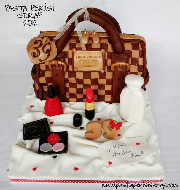 louıs vuıtton cake