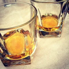 old fashioned glass, whisky, drinkware, distilled beverage, liqueur, glass, drink, alcoholic beverage,