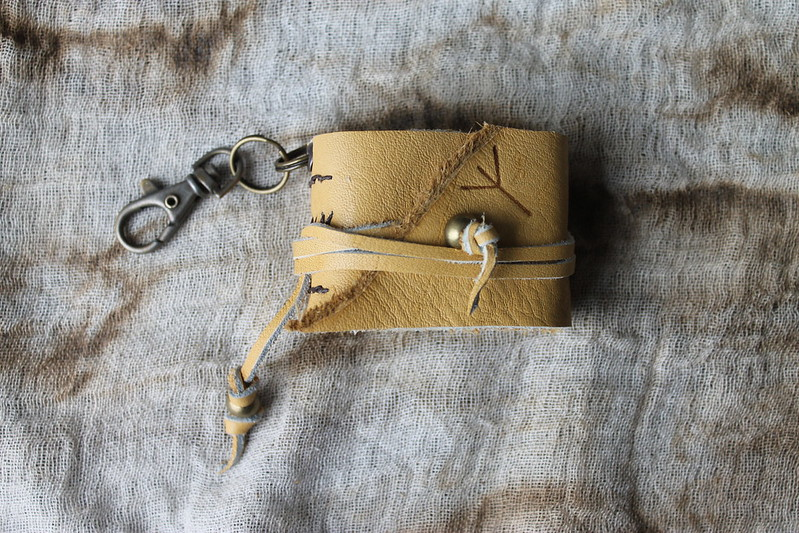 PROTECTION RUNE KEY CHAIN JOURNAL with CLIP LOCK