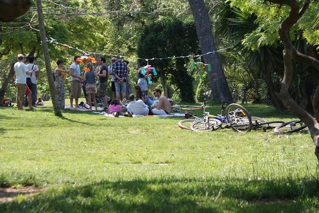 Pique-nique au parc de la Citadelle de Barcelone.