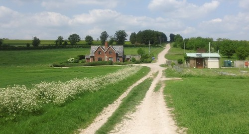 farm 'twixt Old Sarum and Little Durnford