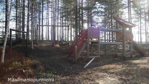 playground design villa rent mikkeli saimaa huvila leikkikenttä lapsille vuokrattavana maailmanlopunniemi