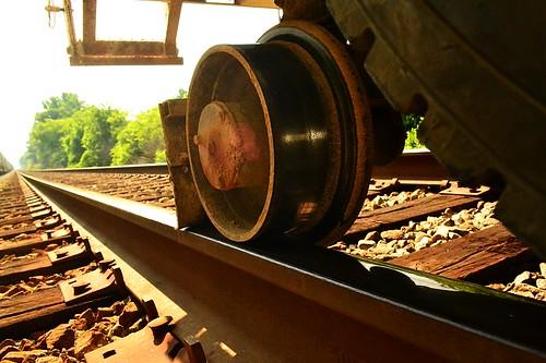 Hy-rail vehicle rail gear