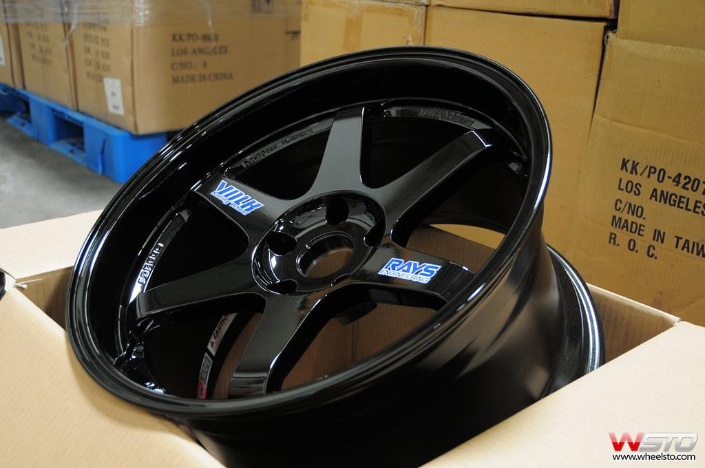 TE37 Gloss Black