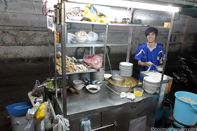 Friendly people at Phở Khoa Thu