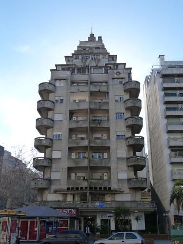 Edificio El Mástil, Pocitos