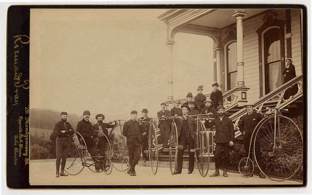 [Bicyclists in front of Isaac L. Requa residence, Highland Avenue and Hazel Lane, Piedmont, Calif.]